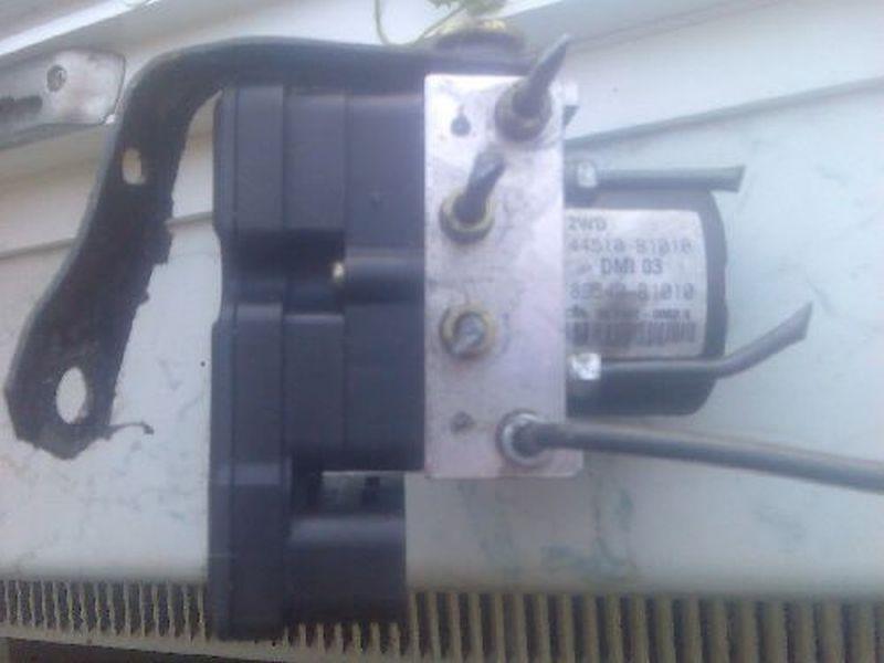 Bremsaggregat ABS geprüftes Ersatzteil DAIHATSU SIRION (M3_) 1.3 64 KW