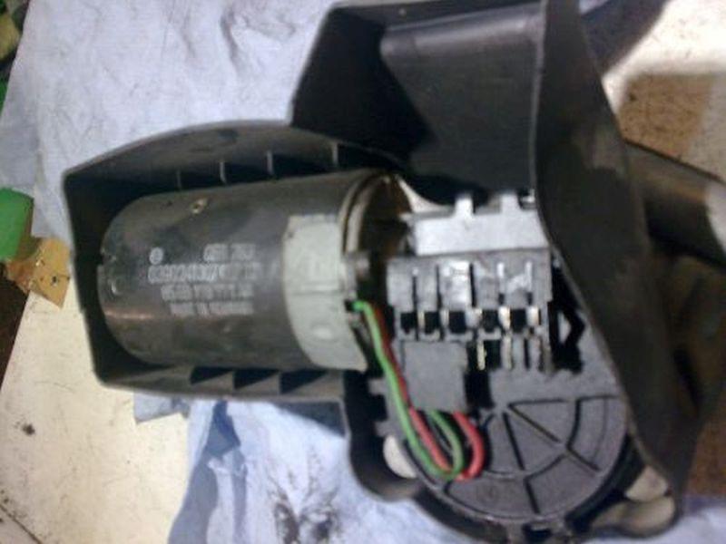 Wischermotor vorne FORD ESCORT VII KOMBI (GAL, ANL) 1.8 TURBO D