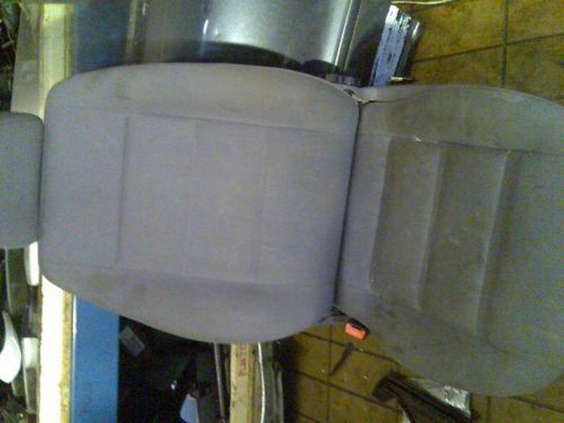 Sitz links vorn mit Seitenairbag AUDI A4 AVANT (8D5, B5) 1.9 TDI 66 KW