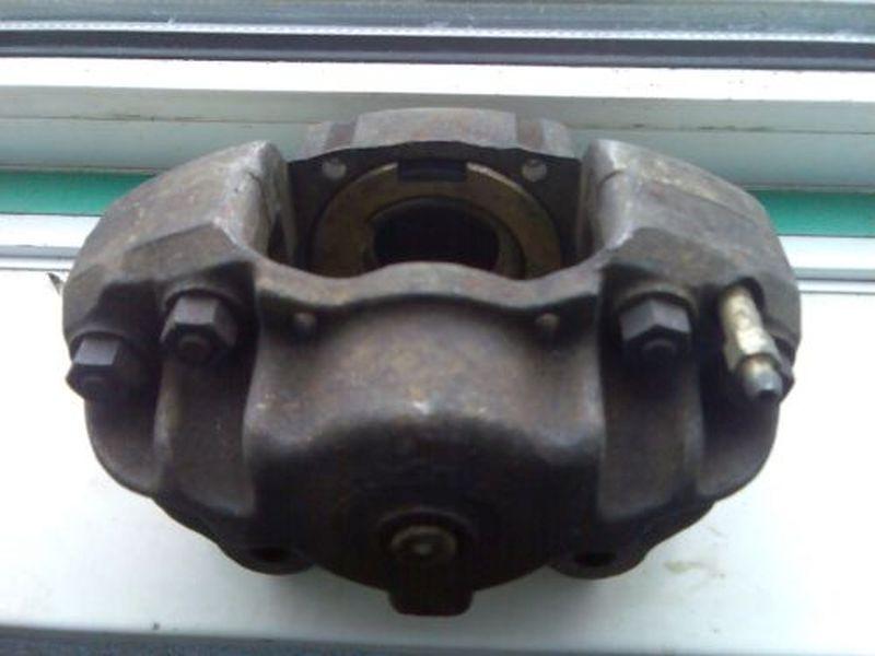 Bremssattel links vorn VW TRANSPORTER III BUS 1.7 D