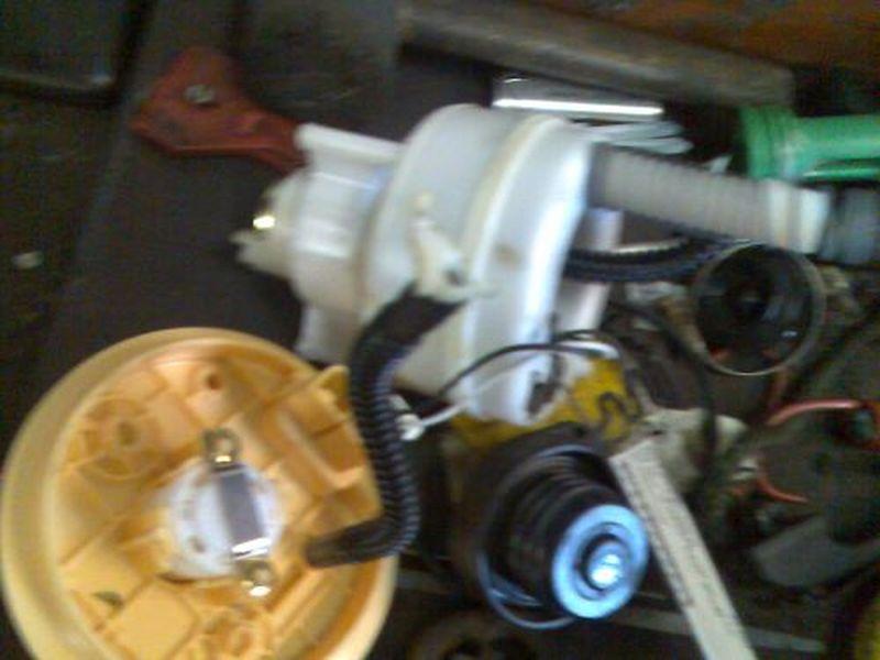 Kraftstoffpumpe BenzinpumpeMITSUBISHI COLT VI 1.1