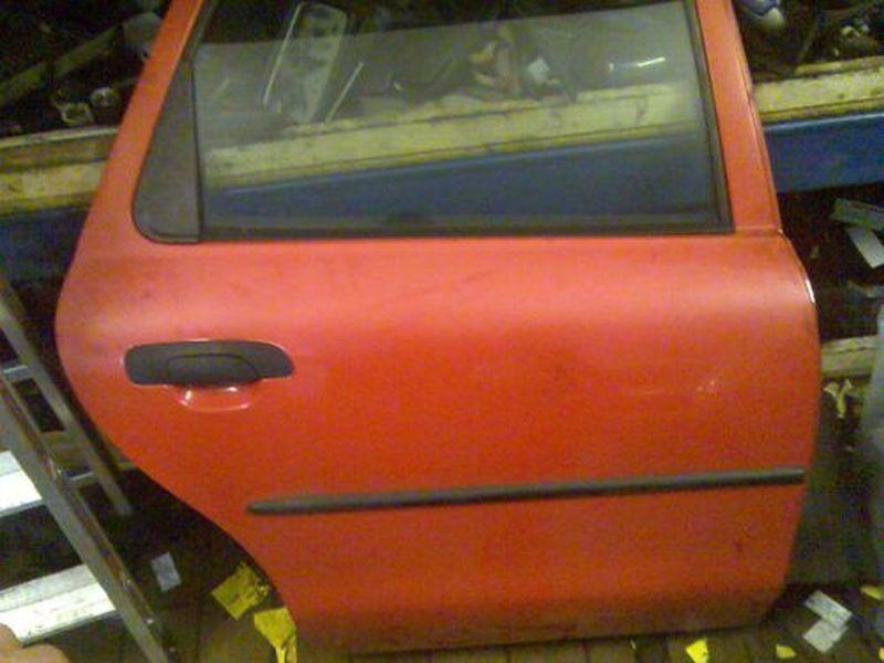 Tür rechts hinten ZV 5-Türer FORD MONDEO II KOMBI (BNP) 1.8 TD