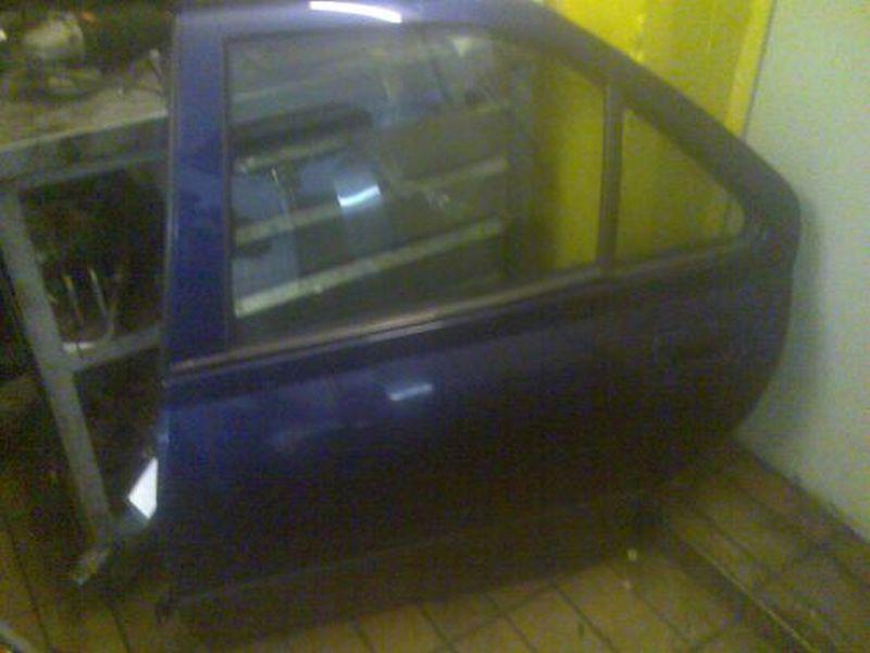 Tür links hinten ZV 4-Türer PEUGEOT 406 (8B) 1.9 TD