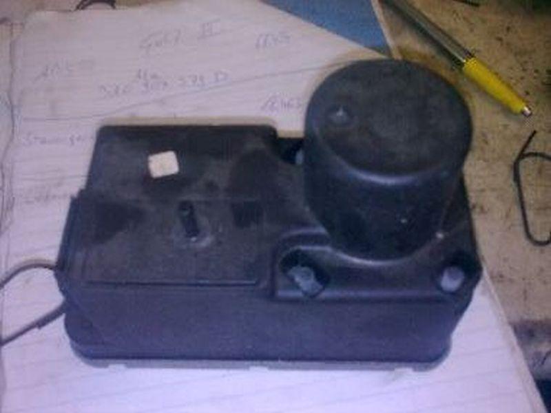 Zentralverriegelungspumpe Unterdruckpumpe ZentralverriegelungVW GOLF III VARIANT (1H5) 1.9 TDI