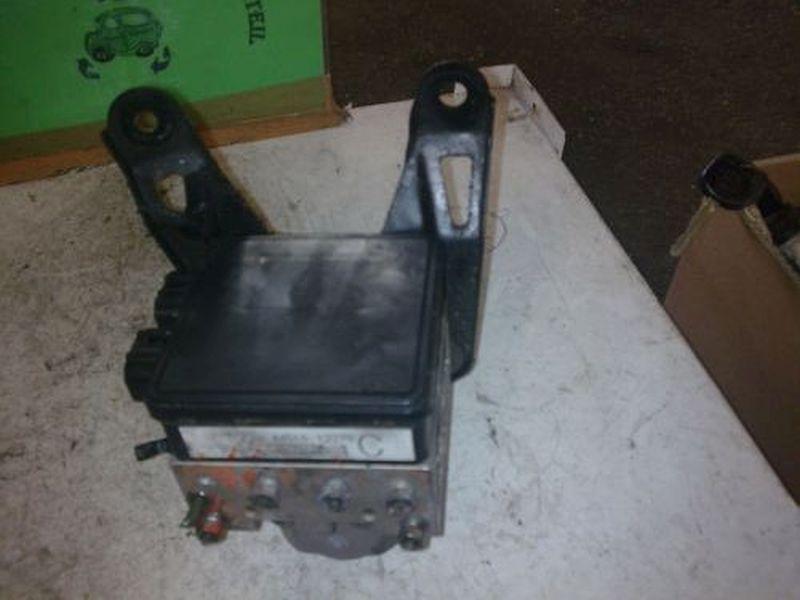 Bremsaggregat ABS geprüfter Ersatzteil TOYOTA COROLLA WAGON (KOMBI) 1.4  (EE11) 63 KW