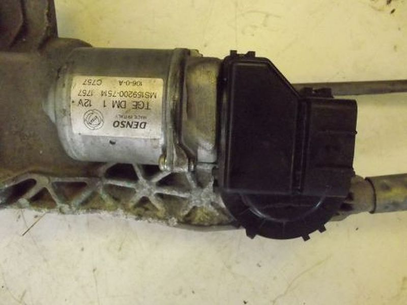 Wischermotor vorne FIAT IDEA 1.3 JTD MULTIJET AUTOMATI