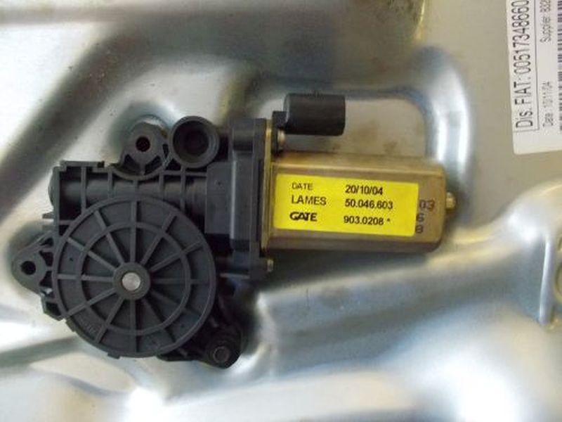 Motor Fensterheber links vorn PKW hat nur vorne elektrische FensterheberFIAT IDEA 1.4 16V