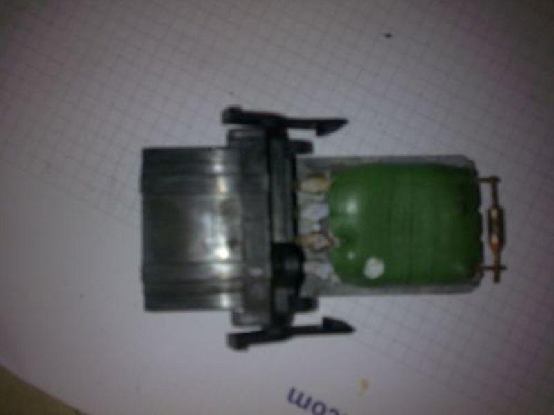 Widerstand Gebläsemotor VW GOLF III (1H1) 1.4