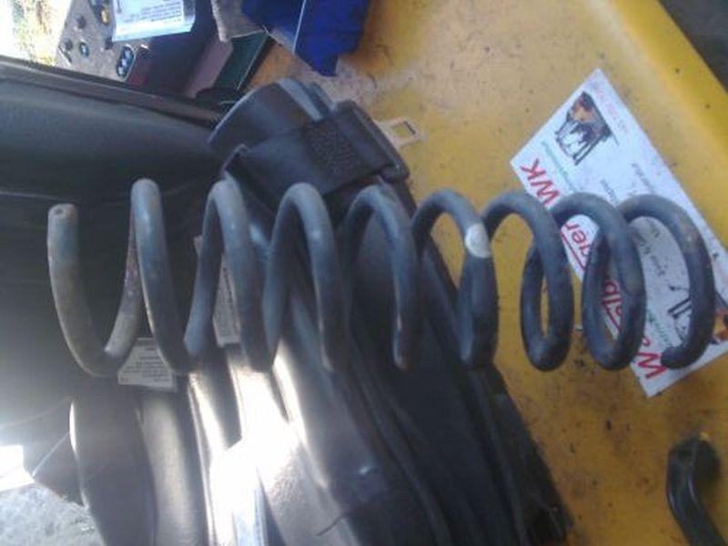 Feder links vorn  MERCEDES E-KLASSE W210 E 200 ELEGANCE 100 KW