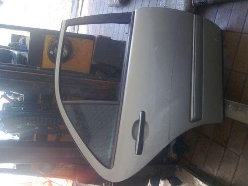 Tür rechts hinten 4-Türer MERCEDES E-KLASSE W210 E 200 ELEGANCE