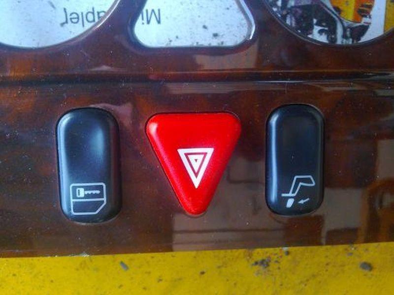 Schalter Warnblinker MERCEDES E-KLASSE W210 E 200 ELEGANCE