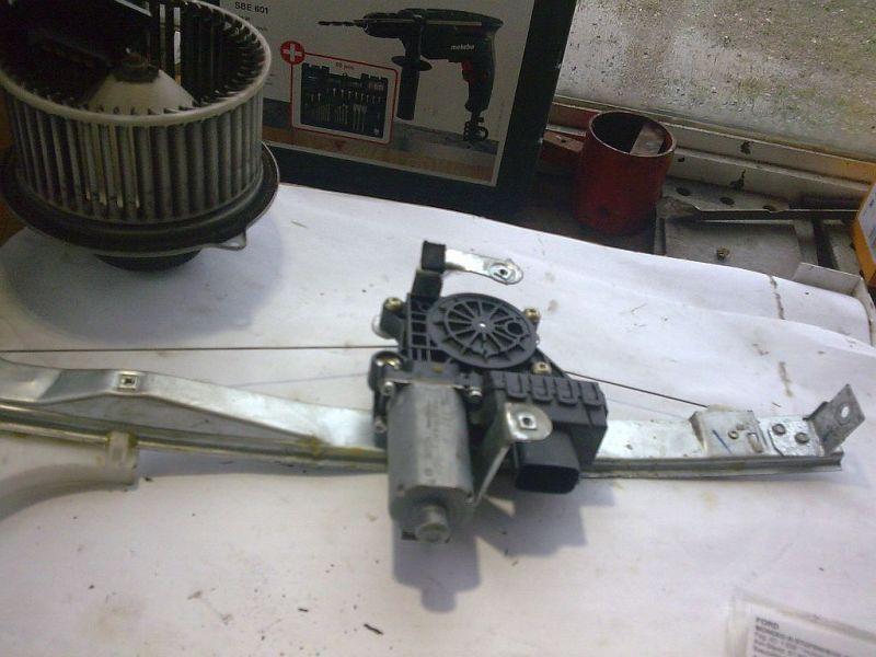 Fensterheber links hinten elektrisch geprüftes ErsatzteilFORD MONDEO III STUFENHECK (B4Y) 2.0 16V