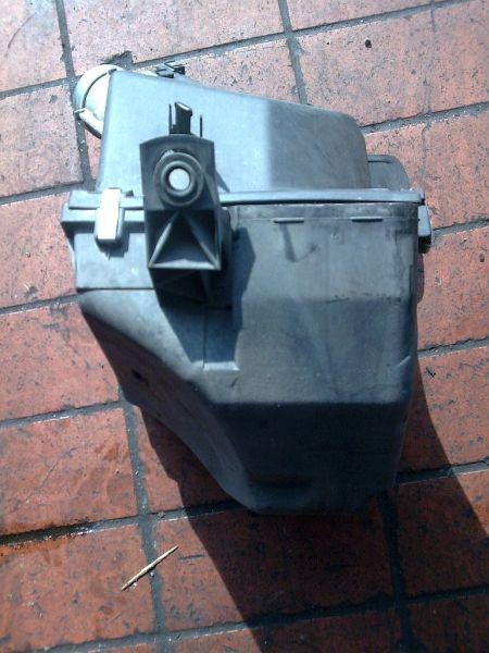 Luftfiltergehäuse AUDI A4 (8D2, B5) 1.6
