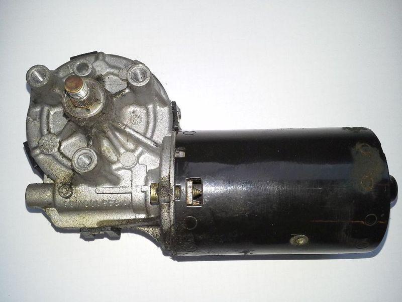 Wischermotor vorne FORD FOCUS KOMBI (DNW) 1.4 16V