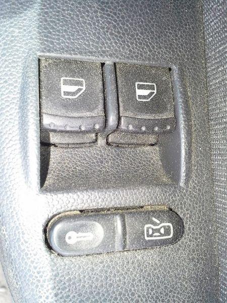 Schalter Fensterheber links vorne PKW hat nur vorne elektrische FensterheberSKODA FABIA COMBI (6Y5) 1.9 SDI