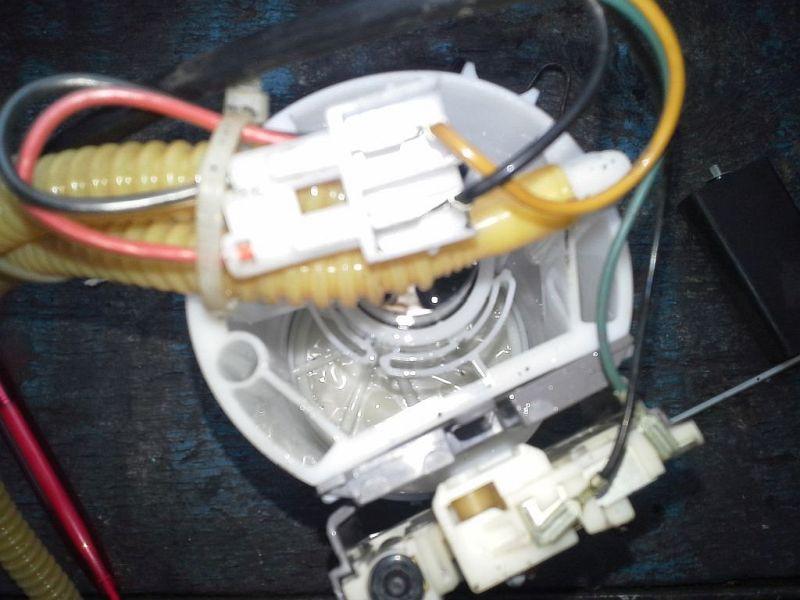 Kraftstoffpumpe BenzinpumpeVW GOLF III (1H1) 1.6