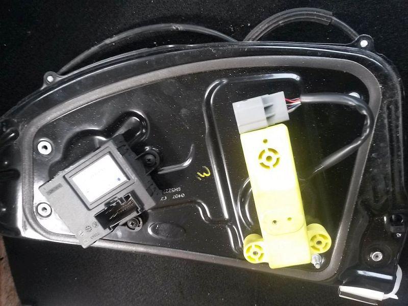 Fensterheber links hinten  LAND ROVER FREELANDER 2 FA 2.2 TD4 TYP LF 112 KW