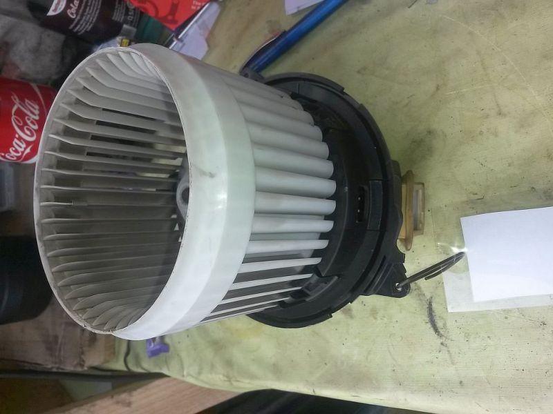 Gebläsemotor Heizungsgebläse Innenraumgebläse DACIA DOKKER 1.6 MPV 61 KW