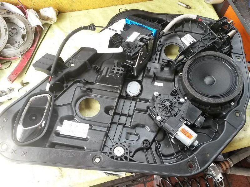 Motor Fensterheber rechts hinten  KIA CEE´D 1.4 CRDI GOLD 66 KW