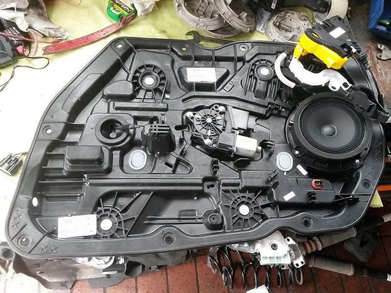 Motor Fensterheber rechts vorn  KIA CEE´D 1.4 CRDI GOLD 66 KW