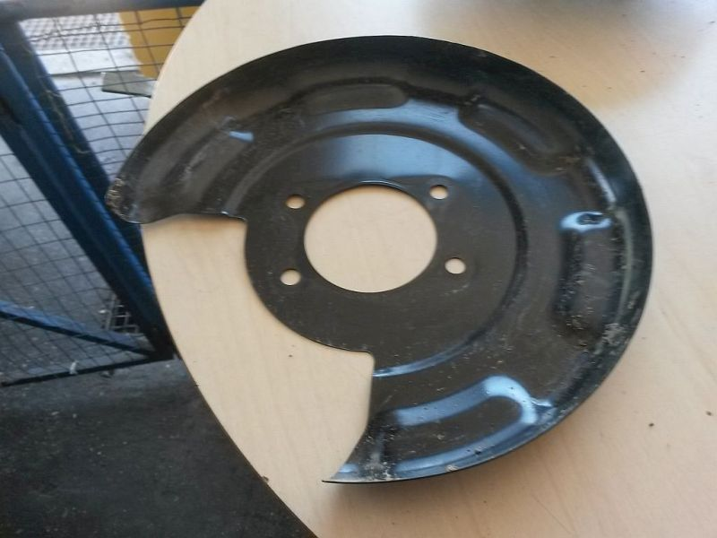 Bremsträger links hinten Bremsträgerblech links hinten KIA CEE´D 1.4 CRDI GOLD 66 KW