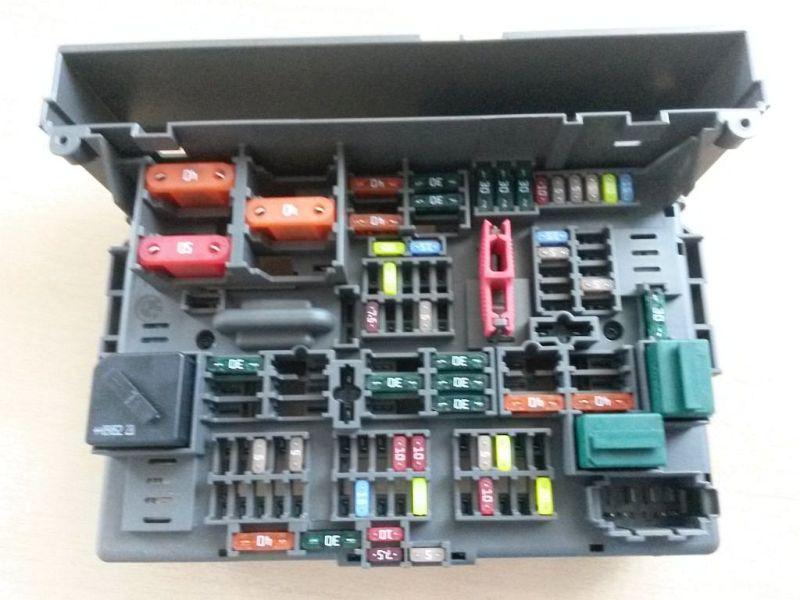 Sicherungskasten Zentralelektrikgehäuse BMW 1 (E87) 116I 89 KW
