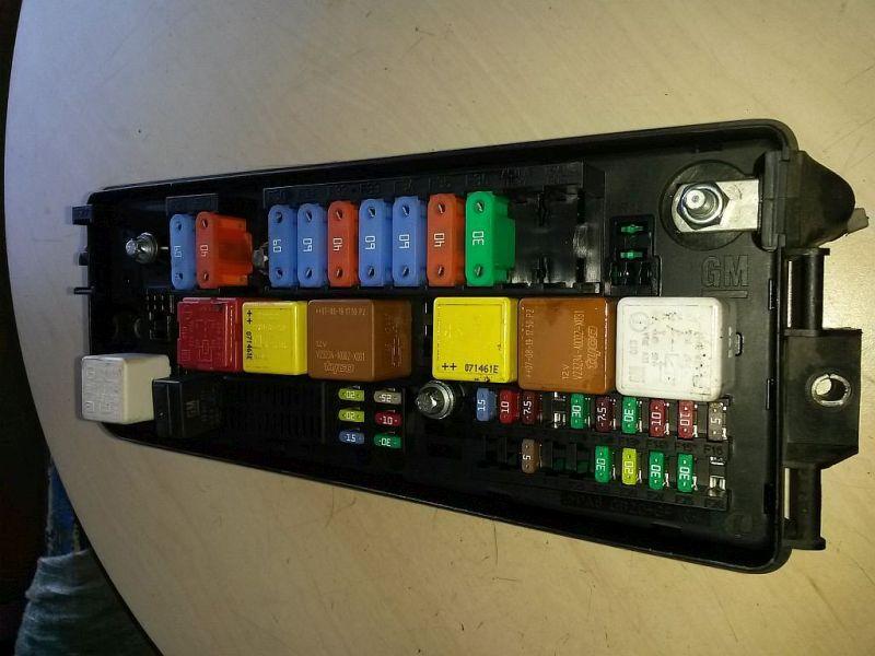 Sicherungskasten  OPEL VECTRA C 1.9 CDTI (VAUXHALL) 110 KW