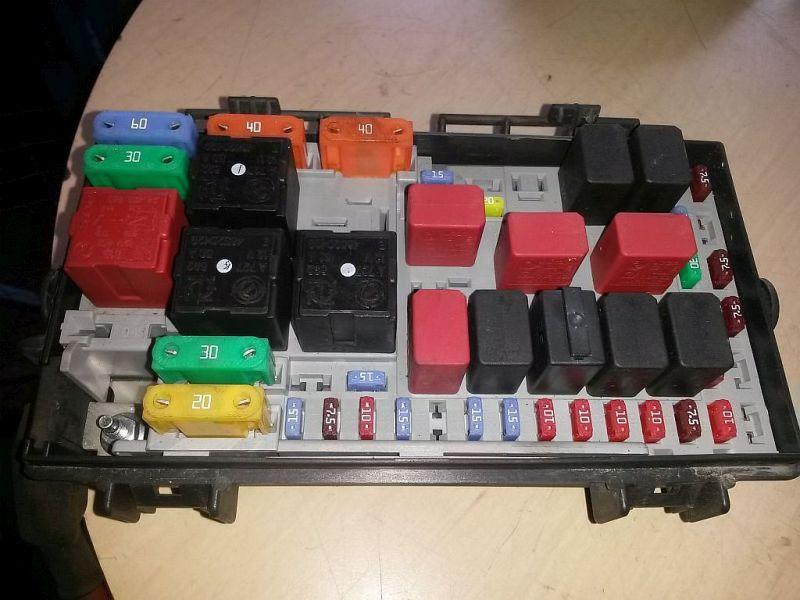 Sicherungskasten  FIAT PUNTO/GRANDE PUNTO (199) 1.2 48 KW