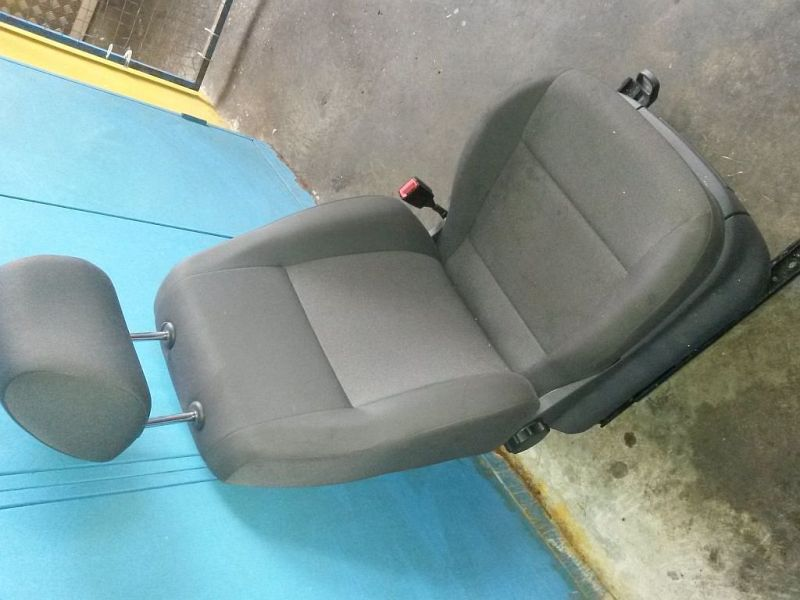 Vordersitz Stoff nicht klappbar mit Airbag rechts Sitz rechts vorne VW 2KN CADDY III KASTEN 2KA 1.6 TDI 55 KW