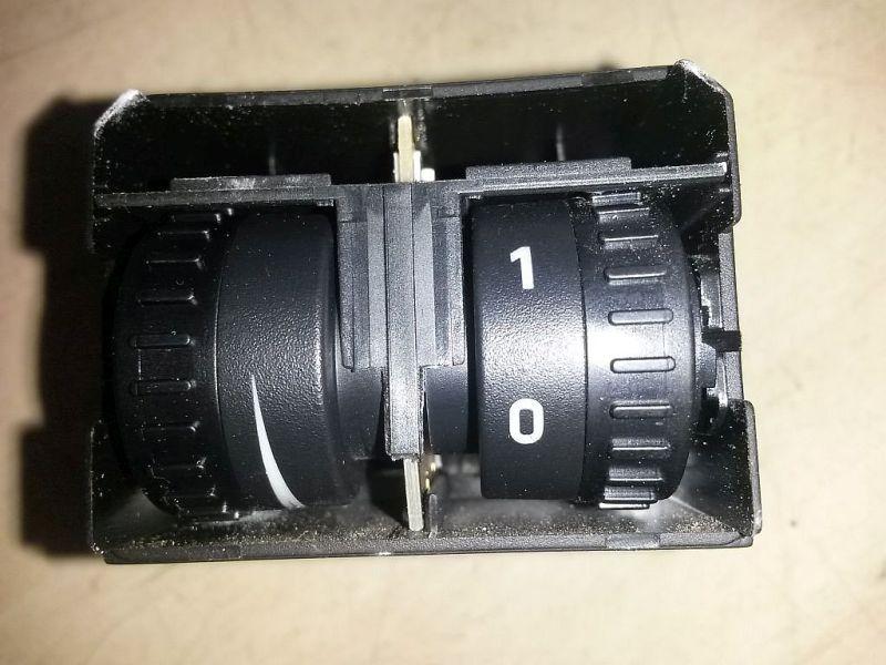 Schalter Leuchtweitenregelung Regler Leuchtweiteregulierung VW 2KN CADDY III KASTEN 2KA 1.6 TDI 55 KW