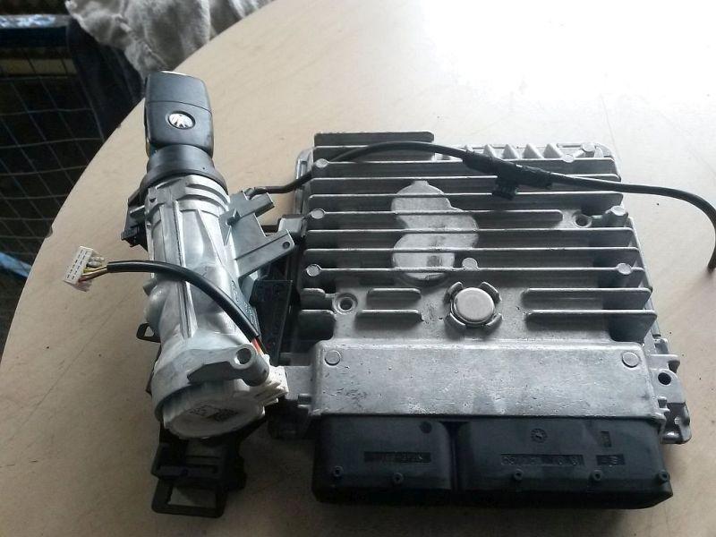 Steuergerät Motor  VW 2KN CADDY III KASTEN 2KA 1.6 TDI 55 KW