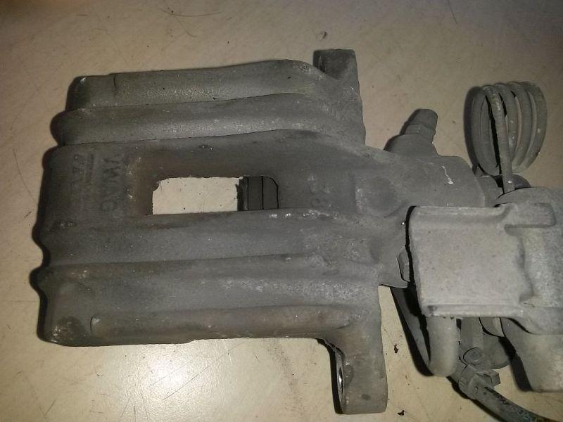 Bremssattel rechts hinten  VW 2KN CADDY III KASTEN 2KA 1.6 TDI 55 KW