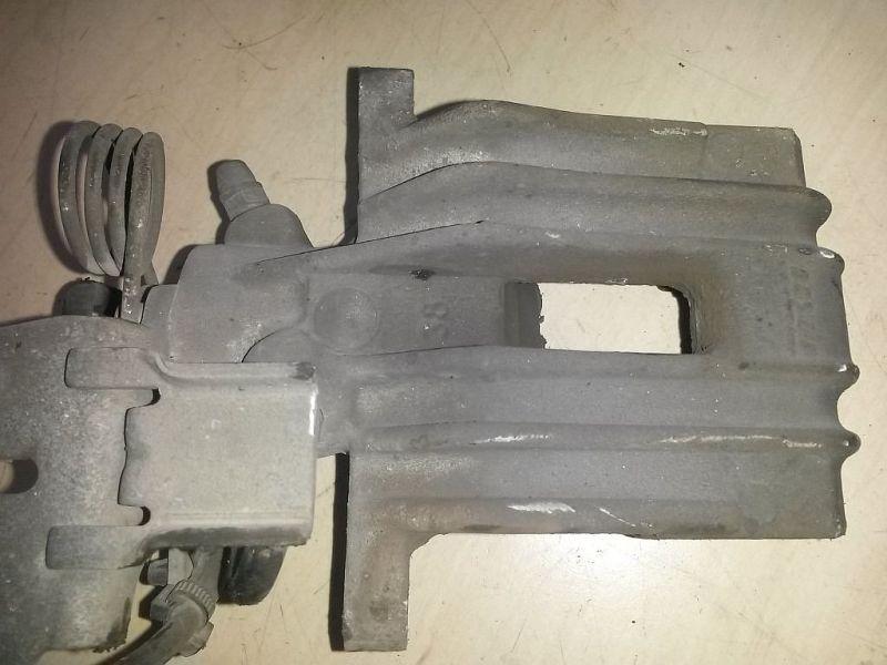 Bremssattel links hinten  VW 2KN CADDY III KASTEN 2KA 1.6 TDI 55 KW