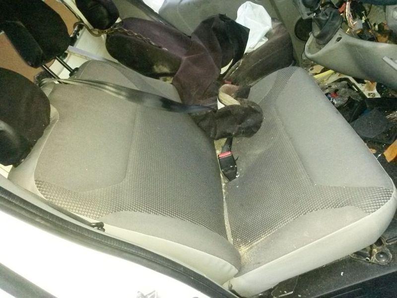 Vordersitz Stoff nicht klappbar ohne Airbag rechts vorn Doppelsitzbank rechts vorne OPEL VIVARO KASTEN (F7) 1.9 DTI 74 KW
