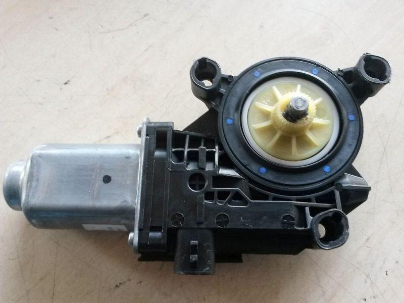 Motor Fensterheber links  SEAT IBIZA V SPORTCOUPE (6J1) 1.2 51 KW