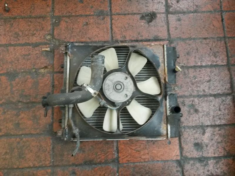 Kühler Kühler mit Lüftermotor SUZUKI IGNIS (FH) 1.3 4WD 61 KW