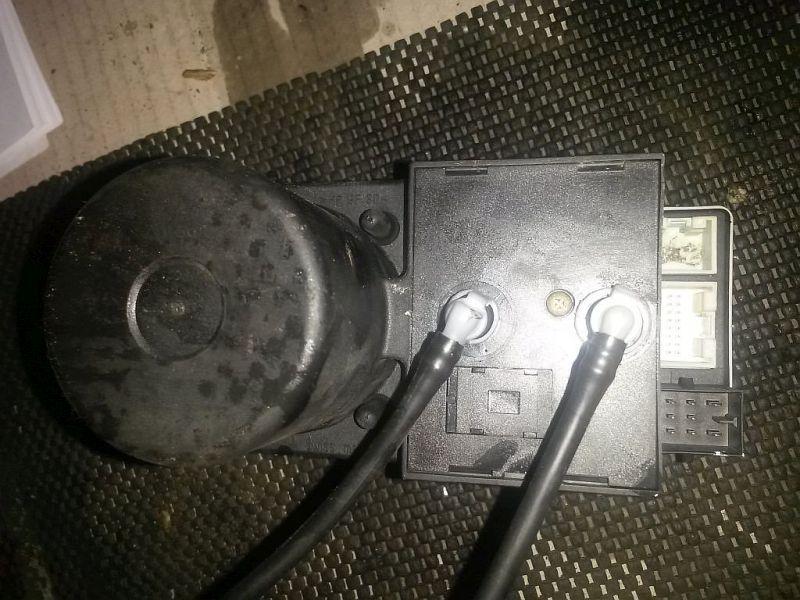 Zentralverriegelungspumpe Unterdruckpumpe Zentralverriegelung AUDI A4 (8D2, B5) 1.9 TDI 66 KW