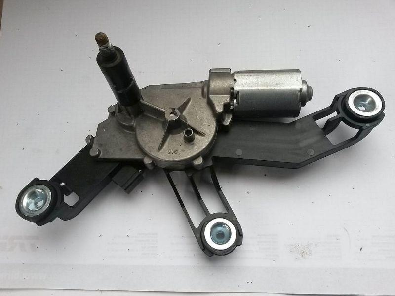 Wischermotor hinten  FORD MONDEO III KOMBI (BWY) 1.8 16V 92 KW