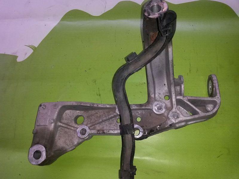 Halter Querlenker Radaufhängung Vorderachse links SEAT ALTEA (5P1) 1.4 16V MPI 63 KW