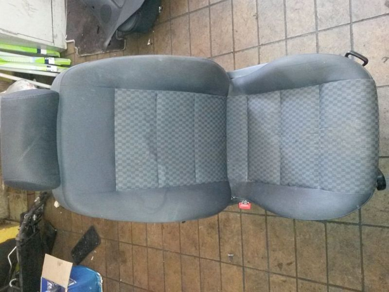 Vordersitz Stoff nicht klappbar mit Airbag links vorn Sitz links vorne AUDI A4 AVANT (8D5, B5) 1.9 TDI 81 KW