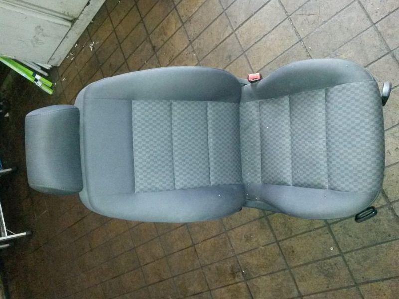 Vordersitz Stoff nicht klappbar mit Airbag rechts vorn Sitz rechts vorne AUDI A4 AVANT (8D5, B5) 1.9 TDI 81 KW