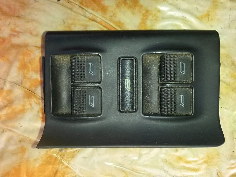 Schalter Fensterheber links vorne AUDI A4 AVANT (8D5, B5) 1.9 TDI 81 KW