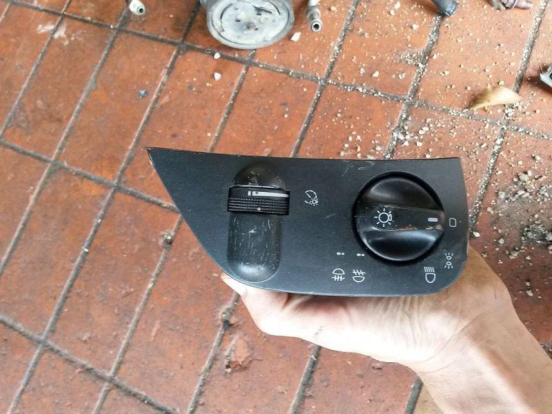 Schalter Licht mit Nebelscheinwerfer Funktion SEAT CORDOBA (6K1, 6K2) 1.8I 66 KW