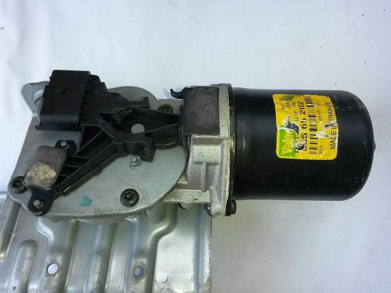 Wischermotor vorne  RENAULT SCENIC II (JM0/1_) 1.4 16 V 72 KW