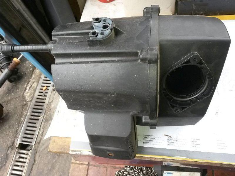 Luftfiltergehäuse  SKODA FABIA 1.6 TDI CLASSIC 55 KW