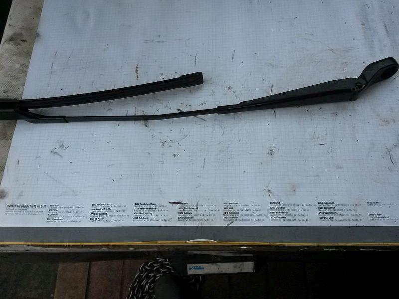 Wischerarm vorne rechts  SKODA FABIA 1.6 TDI CLASSIC 55 KW