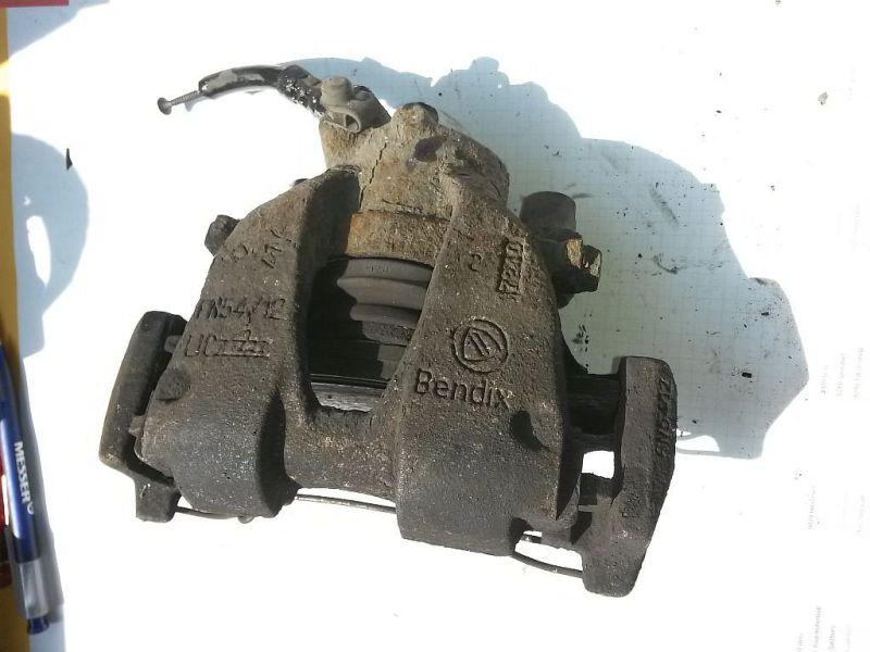 Bremssattel rechts vorn  FIAT PUNTO (188_) 1.9 DS 60 44 KW