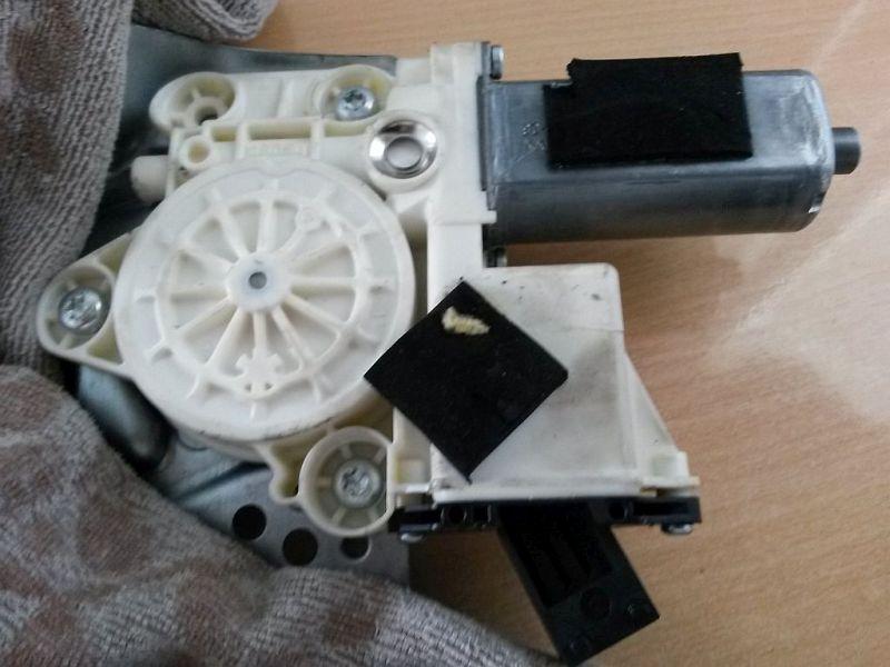 Motor Fensterheber links vorn  OPEL VECTRA C CARAVAN STYLE 18 XE 103 KW
