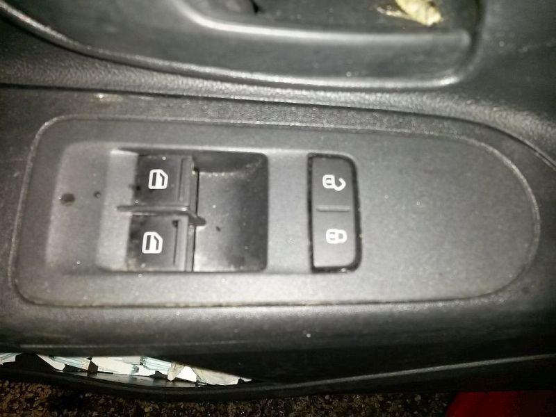 Schalter Fensterheber Fensterheberschalter links VW UP 1.0 44 KW