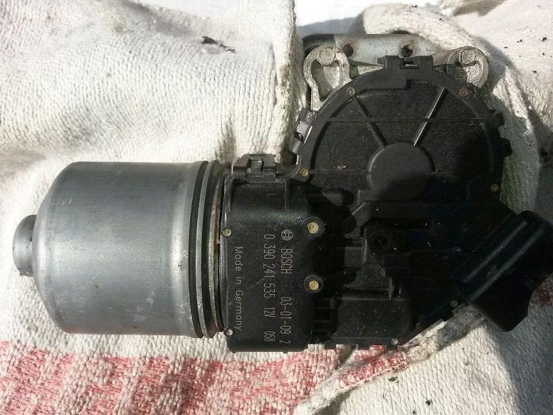 Wischermotor vorne  RENAULT CLIO II (BB0/1/2_, CB0/1/2_) 1.5 DCI 48 KW